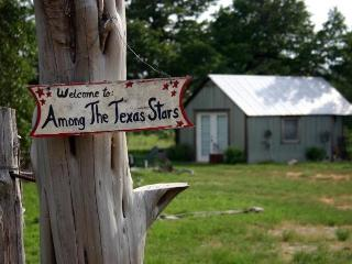 Among the Texas Stars-romantic getaway. - Fredericksburg vacation rentals