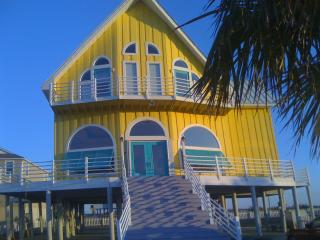 """Big House"" Now Sleeps 14, Private Pool With Slide - Navarre vacation rentals"