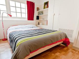 Artsy Apartment in Paris on the 6th Arrondissement - Paris vacation rentals