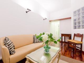 Montenapoleone apartment, sleeps 4 - Lombardy vacation rentals