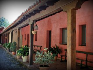 Charming House with Internet Access and Satellite Or Cable TV - Cuacos de Yuste vacation rentals
