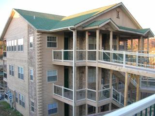 Branson Luxury 2 Bed/2 Bath Condo-Table Rock Lake - Branson vacation rentals