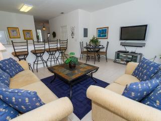 Windsor Hills Townhome, end unit/South facing pool - Kissimmee vacation rentals