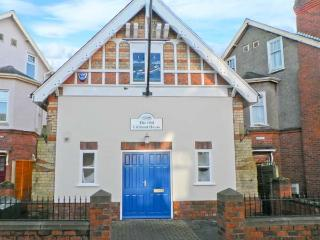 THE OLD LIFEBOAT HOUSE, unique property, enclosed patio, walking distance to - Hornsea vacation rentals
