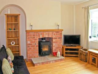 2 ORGANSDALE COTTAGES, pet-friendly cottage, with woodburner, and enclosed gardens, in Kelsall, Ref 19660 - Kelsall vacation rentals