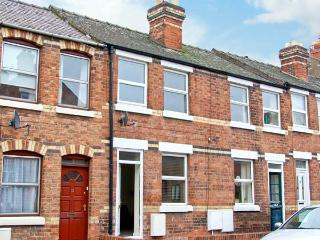 NUMBER 15, town centre cottage, cosy accommodation in Shrewsbury Ref 18078 - Shrawardine vacation rentals
