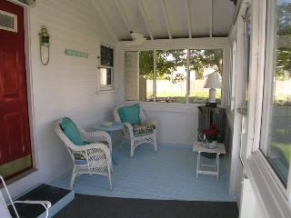Bright 2 bedroom Dennis Port House with Internet Access - Dennis Port vacation rentals