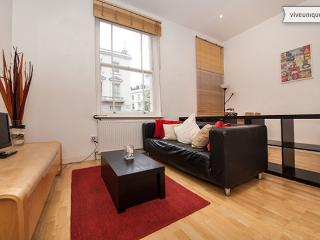 Walk to Sloane Square and Buckingham Palace, 2 bed, 1 bath - London vacation rentals