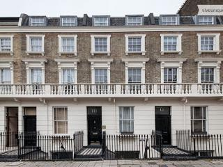 Stroll Down to Chelsea's 'King's Road', 4 bed, 3 bath - London vacation rentals