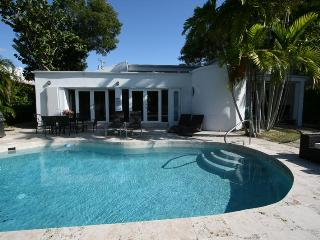 Nov 22-29$2500/wk, Dec 1-8$3000/wk, Dec 8-15$2500/wk,Miami Beach,Waterfront - Miami Beach vacation rentals