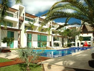 Z2 Ave Luxury Condo 6ppl -  Stunning Pool & Hot tub - Playa del Carmen vacation rentals