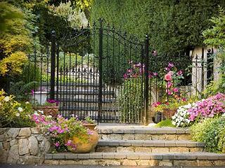 Beautiful  Private Estate, Spectacular Views - Victoria vacation rentals