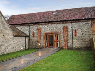 THE PADDOCKS barn conversion, with a woodburner, close to coast in Cromer Ref 18084 - Norfolk vacation rentals
