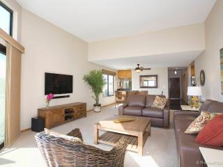 Bright 2 bedroom Condo in Mission Beach - Mission Beach vacation rentals