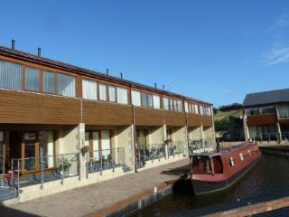 MARINA APARTMENT, 1 bedroom, Carnforth, Lancashire Cumbria border - Carnforth vacation rentals