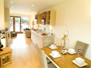 MARINA COTTAGE, 2 bedroomed, Carnforth, Lancashire Cumbria Border - Lancashire vacation rentals