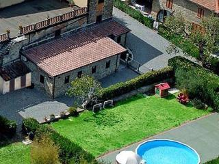 Cozy House in Carmignano with A/C, sleeps 4 - Carmignano vacation rentals