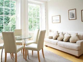 http://www.aplacelikehome.co.uk/l95-cornwall-gardens-south-kensington-bqxcacpxf.aspx - London vacation rentals