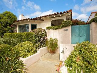 Casa Paloma: Classic Mission Hills + Enchanting Courtyard Close to EVERYTHING - San Diego vacation rentals
