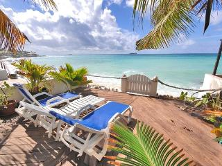 Nice Villa with Internet Access and Television - Pelican Key vacation rentals