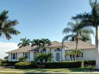 CASTAWAYS - Lost in Luxury on Marco Island!  Fabulous Location! - Marco Island vacation rentals