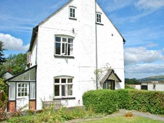 BROUGHTON COTTAGE, pet-friendly, open fire, farm setting, country views, close to Bishop's Castle, Ref 20784 - Bishop's Castle vacation rentals