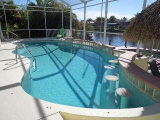 Villa Sunday Rose - 4b/3ba SW Cape Coral Home, electric heated pool with Tiki Hut, Boat Dock with Lift - Cape Coral vacation rentals