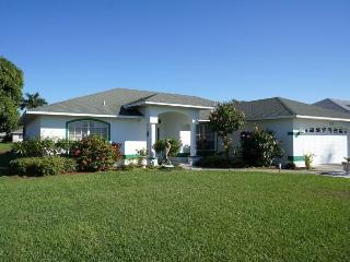 Rebecca - SE Cape Coral 3b/2ba Solar Heated Pool, Gulf Access Canal, Close to the River and Shopping, - Cape Coral vacation rentals
