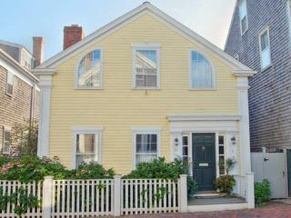 4 Bedroom 4 Bathroom Vacation Rental in Nantucket that sleeps 8 -(10336) - Nantucket vacation rentals