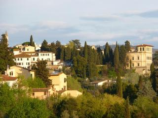 Casa del Pozzo: medieval, unspoiled, in Florence - Florence vacation rentals