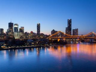 Luxury and Personalised Service; - Brisbane vacation rentals