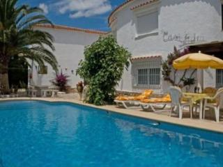 DENIA -Bungalow 90m2,  Pool 5x10m, Terrace, Sea fine Sandy Beach 200m, Parking, WIFI, Sat. TV - Els Poblets vacation rentals