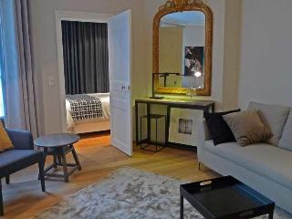 One bedroom Design  Paris Opera district (907) - Paris vacation rentals