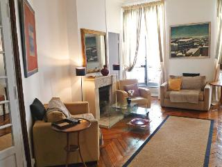 Three bedrooms Great Location  Paris Saint Germain des Pres district (526) - Paris vacation rentals