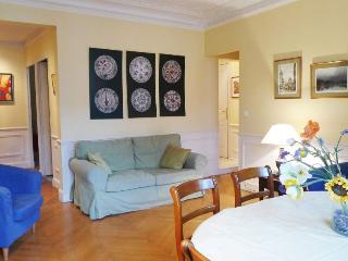 Three bedrooms  2 bath  Paris Luxembourg district (585) - Paris vacation rentals