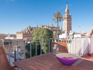 Wonderful Views Apartment In Santacruz  Center. - Seville vacation rentals