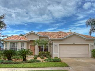 (HH05) Superb 5 bedroom home overlooking the 5th hole on Stoneybrook Golf Course - Bradenton vacation rentals