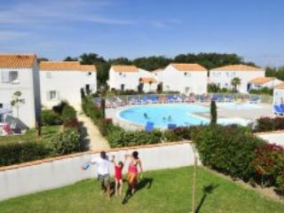 Palmeraie Villa 8 - ile d'Oleron island - Mauzac vacation rentals
