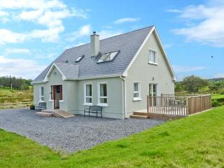 CRONA COTTAGE, ocean views, off road parking, large garden, in Donegal, Ref 17574 - County Donegal vacation rentals