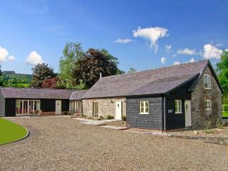 YSGUBOR CELYN MEGAN'S, detached, family-friendly cottage, two woodburners, in Chirk, Ref 19081 - Chirk vacation rentals
