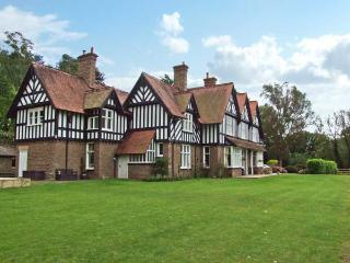 BRYNGARTH, large house, spacious accommodation, 3 acres, in Much Birch Ref 5951 - Herefordshire vacation rentals