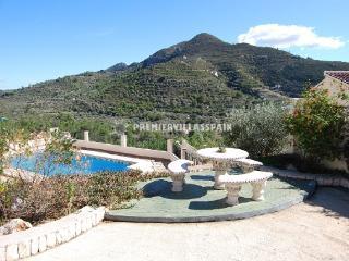 3 bed villa within walking distance to Alcalali - Valencia vacation rentals
