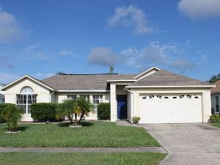 Excellent Vacation Home with Private Pool, free Wi-Fi, Wii and X-box 360 - Kissimmee vacation rentals
