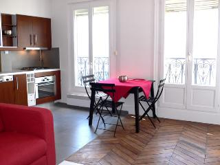 291 One bedroom Balcony  Paris Latin quarter district - Paris vacation rentals