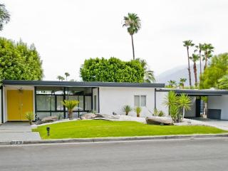 Modern Hollywood Glamour Retreat - Palm Springs vacation rentals