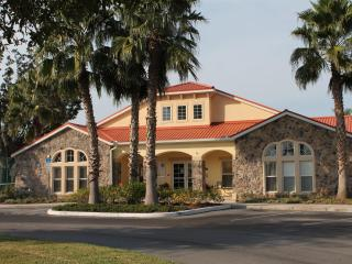 Affordable 4 BR Gated Villa 5 Miles to Disney wifi - Orlando vacation rentals