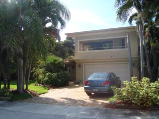 Steps to the Beach and a Stroll to Nightlife - Fort Lauderdale vacation rentals