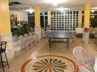 APT. AMOBLADO NORTE DE QUITO CERCA CONDADO MALL - Quito vacation rentals