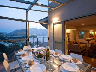 Perfect House with Deck and Internet Access - Queenstown vacation rentals