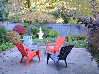 BELLEVUE Vacation Rental (sleeps 8) - North Bend vacation rentals